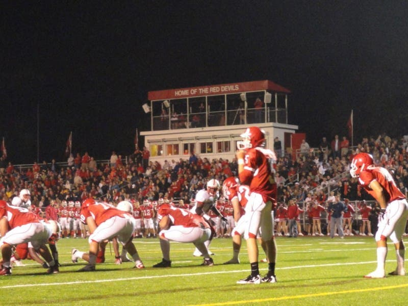 Football Friday Hinsdale Central Looking For Fourth Straight Win