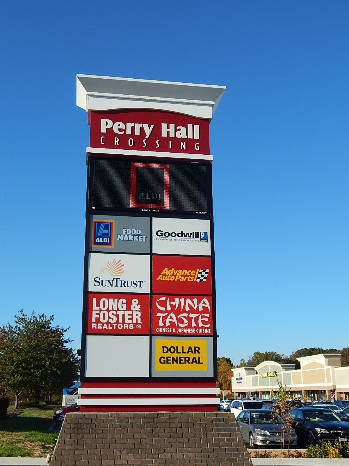 Shoppers Line Up for Perry Hall ALDI Grand Opening | Perry