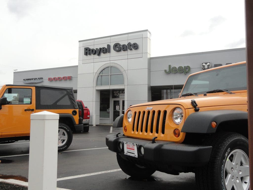 Royal Gate Dodge >> Several Vehicles Stolen From Ellisville Auto Dealer