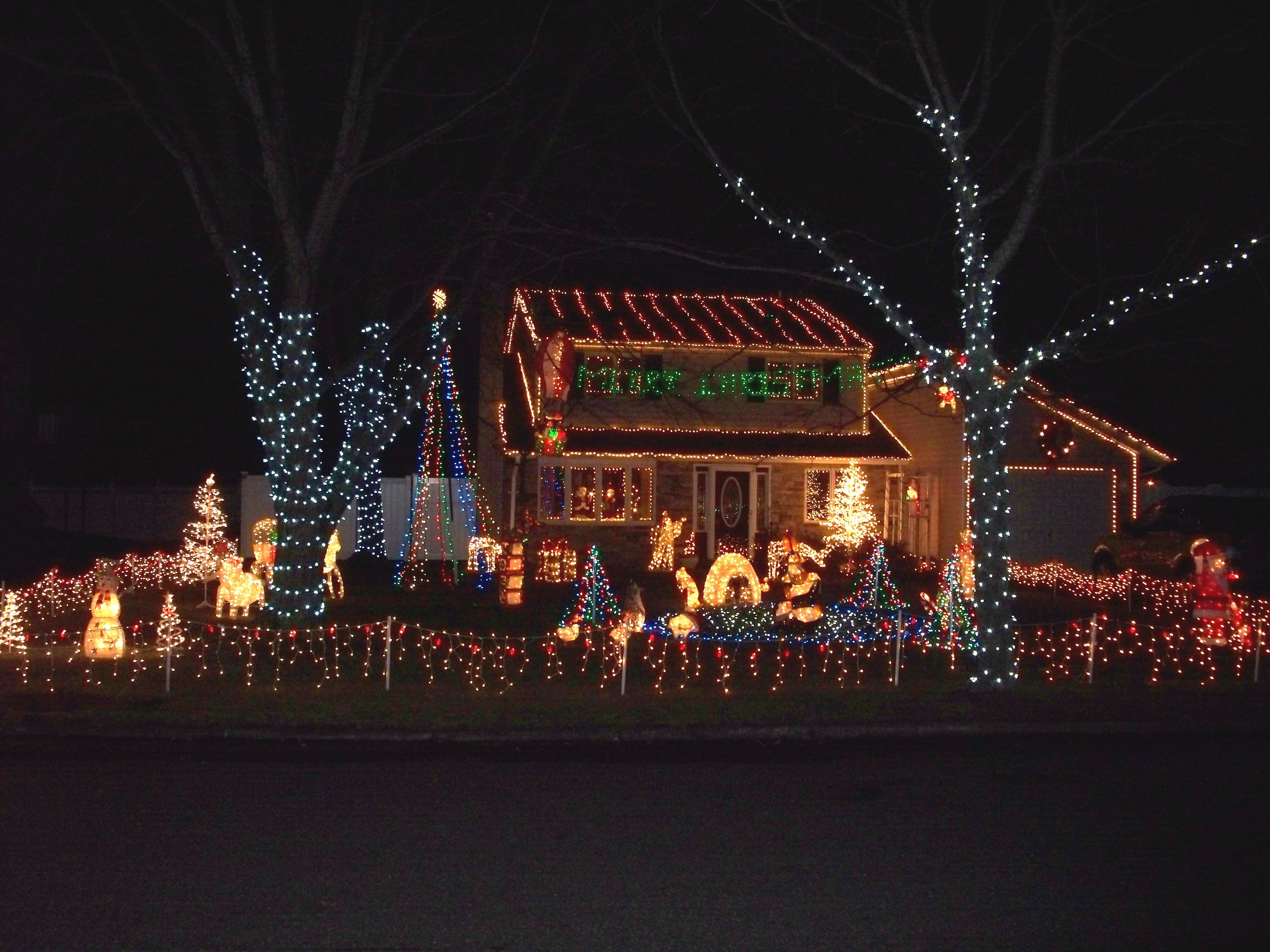 Best Christmas Lights Near Peekskill Ny 2020 Where to Find the Best Local Holiday Light Displays | Patchogue