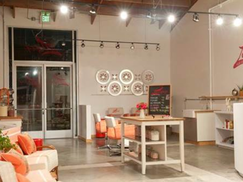 Organic Nail Salon Celebrates New Location With Discounted