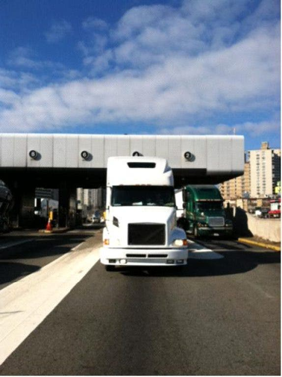 Florida Truck Driver Without Front Plate Charged at GWB