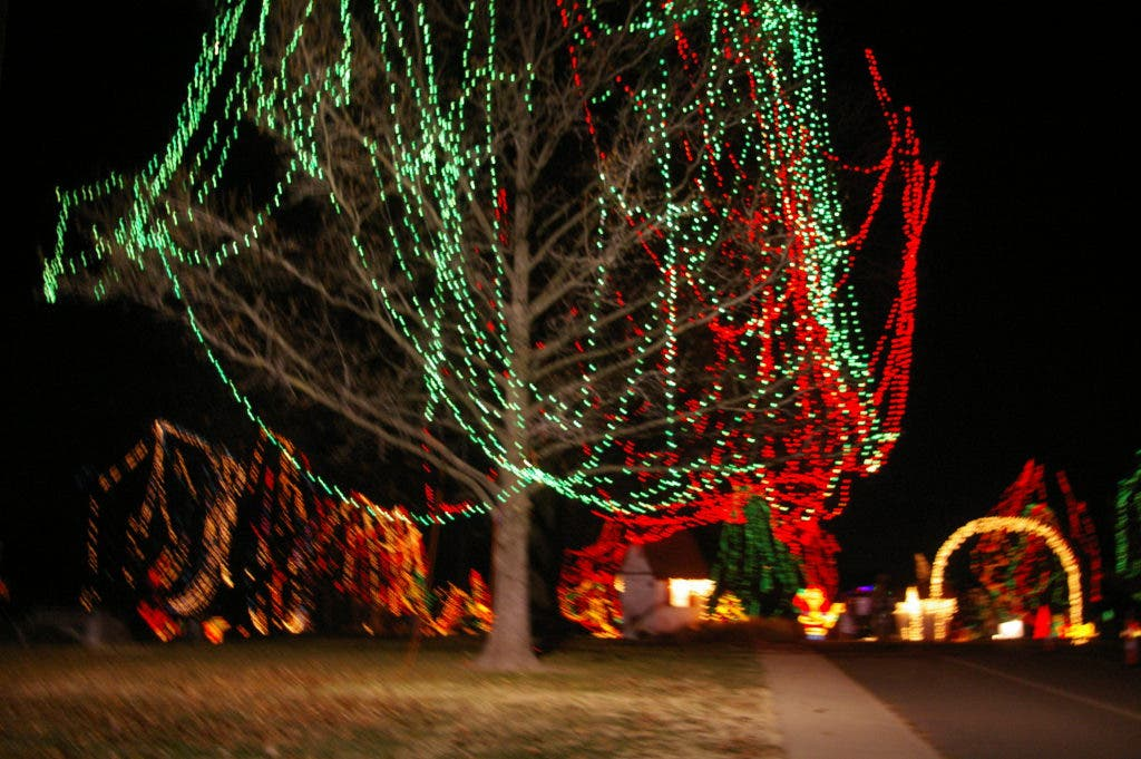 Tilles Park Christmas Lights.Winter Wonderland Tilles Park Shines With The Spirit Of The