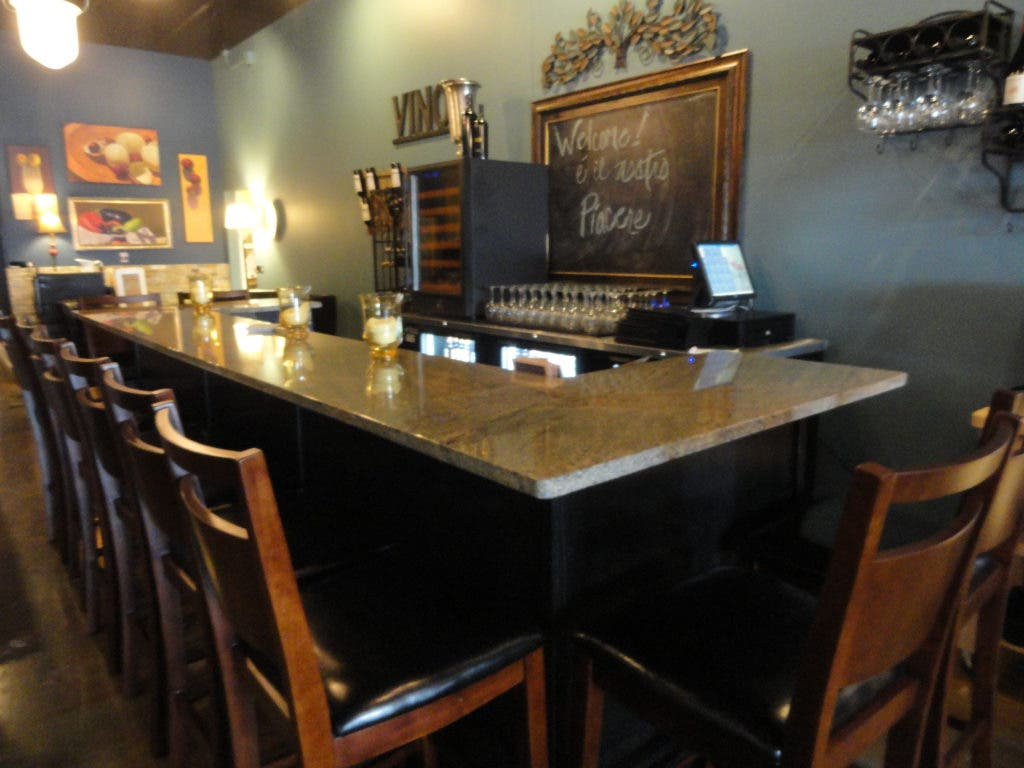 Wine Bar Now Open At Angelina S Kitchen In Woodbury