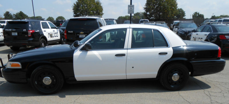 Old Cop Cars >> Sold Police Auction Old Cop Cars Criminal S Car