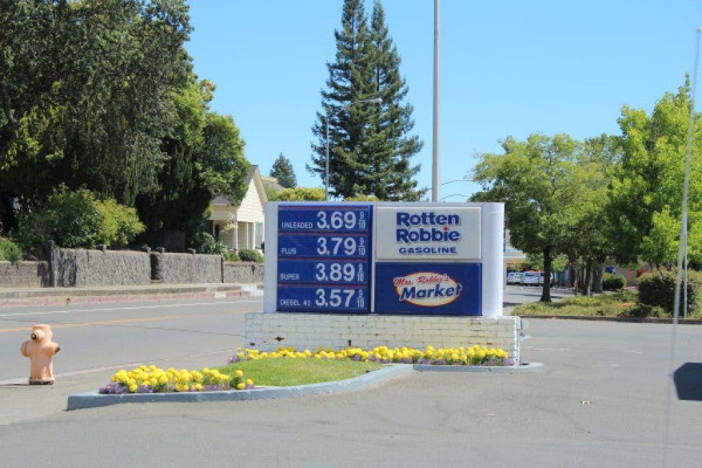 Healdsburg Gas Stations Beat Costco Prices | Healdsburg, CA