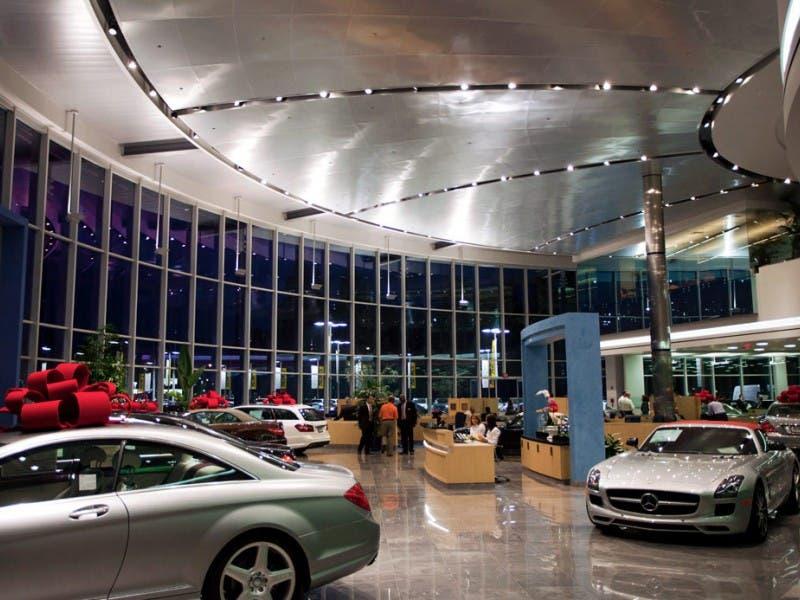 Keyes Dealership Puts On A Light Show On Van Nuys Blvd Sherman