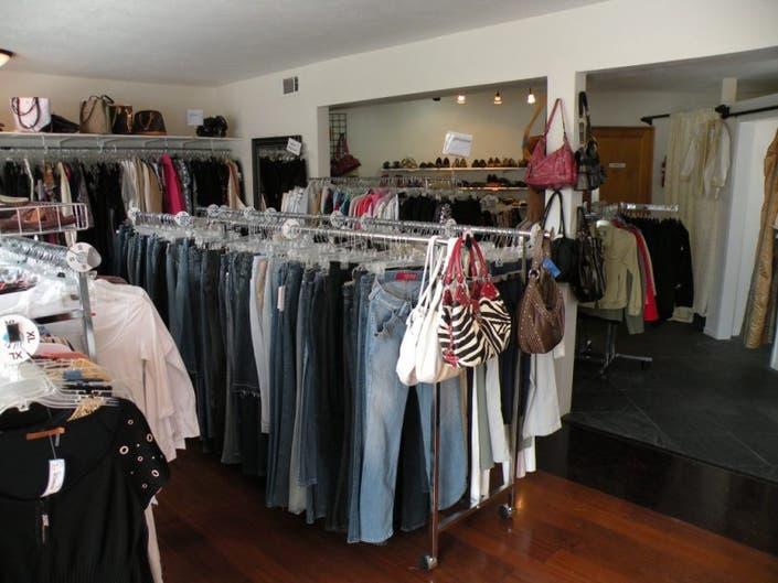 b8562be5f70 ... New Consignment Shop Opens in La Jolla-0 ...