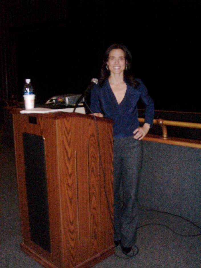 Nutrition Expert Keri Glassman Gives