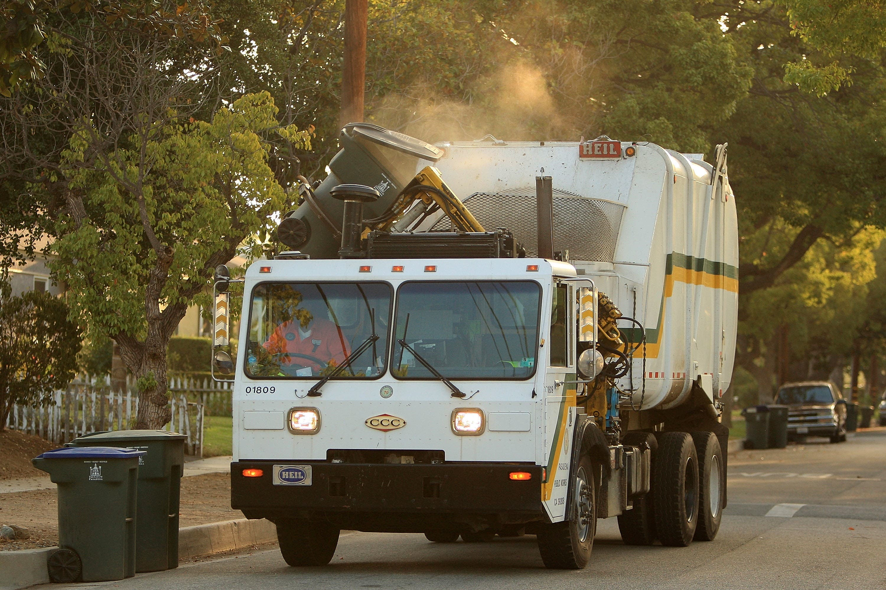 City Leaders Lob Allegations of Dishonesty Over Trash Contract | Los