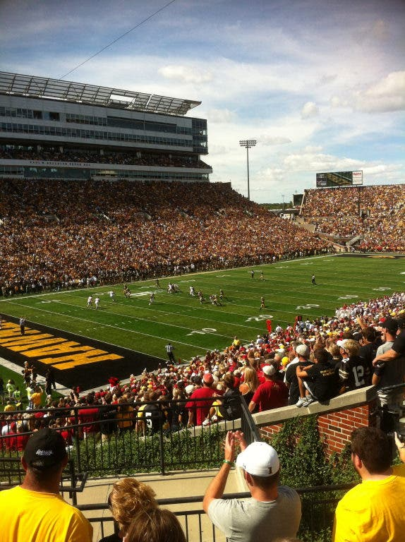 NCAA Football Lines and Predictions: Iowa v. Minnesota ...
