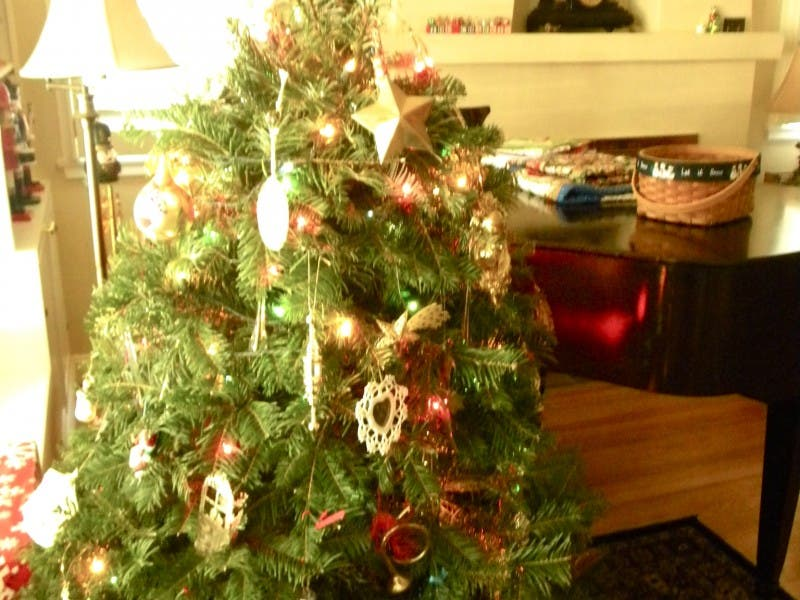 How to Recycle Your Christmas Tree, Busted Lights - How To Recycle Your Christmas Tree, Busted Lights Montrose, CA Patch