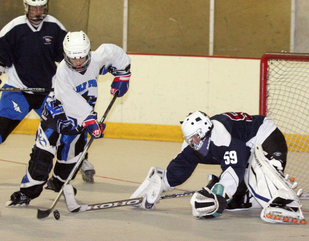 finest selection 7847b 13626 West Hills One of Favorites in Roller Hockey Playoffs ...