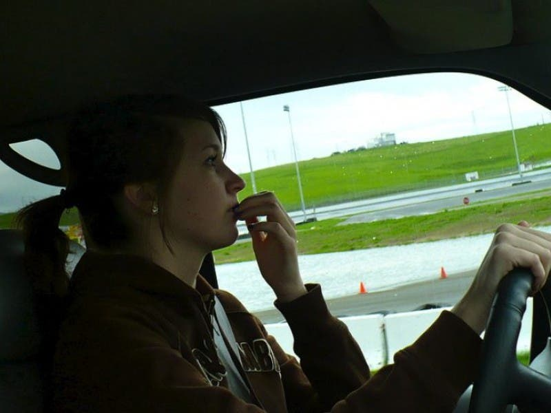 New Michigan Law Prohibits Teens From Using A Cell Phone While Driving