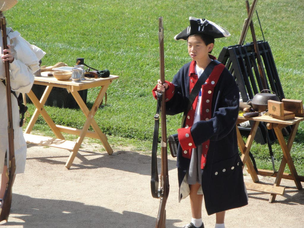 Dublin Students Participate in Revolutionary War Reenactment