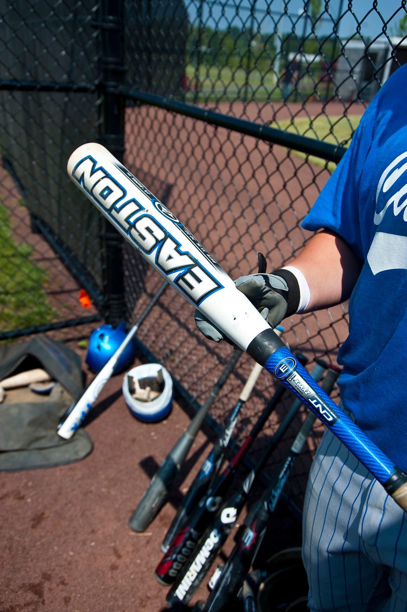 Wood Versus Aluminum Which Baseball Bat Is Better South