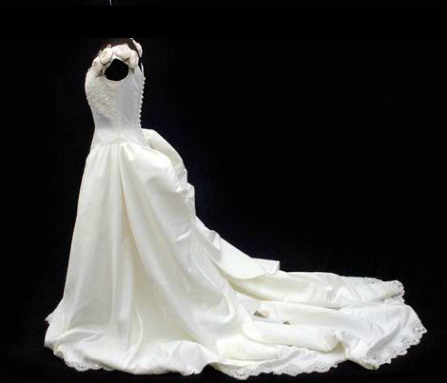 Wedding Gowns Houston Tx: Troy-Based Wedding Dress Designer Made Whitney Houston