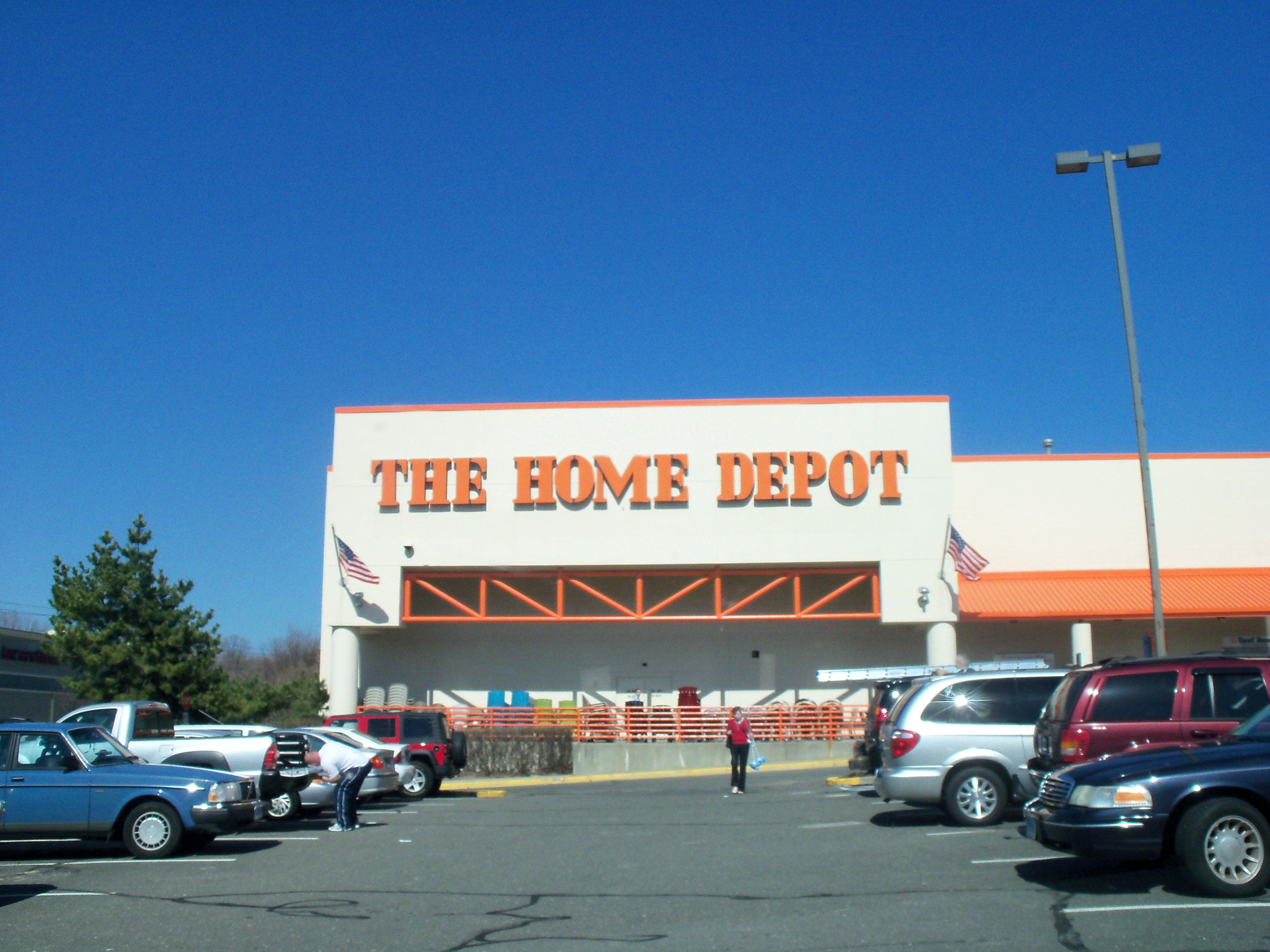 Cops Two Charged In Attempted Shoplifting At Home Depot Fairfield Ct Patch