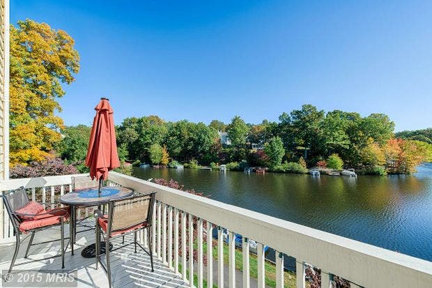 Reston Wow House Lakeside Living At Lake Audubon