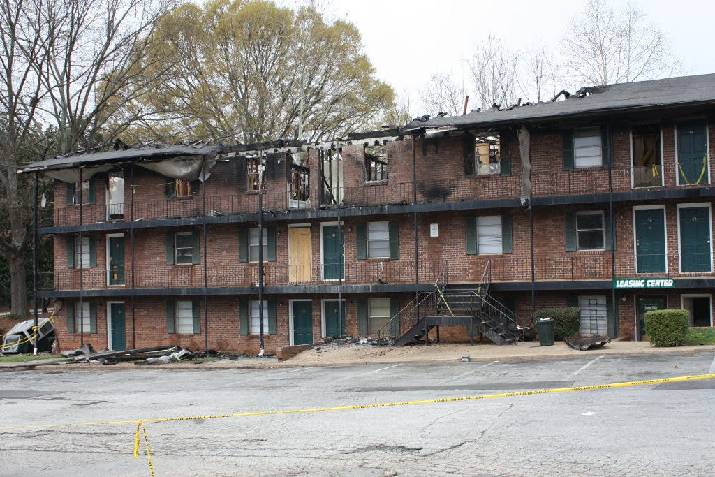 West Gate Leasing >> 17 Units Damaged In West Gate Manor Fire Stone Mountain Ga Patch