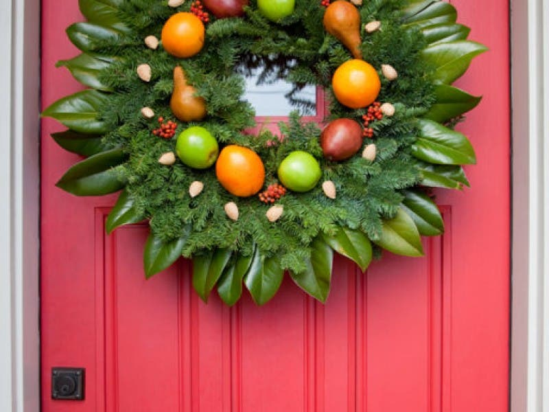 make a williamsburg wreath at pike this weekend