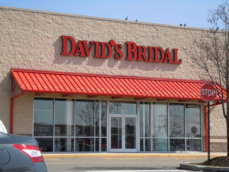 conshohocken s david s bridal brings wedding planning into a social
