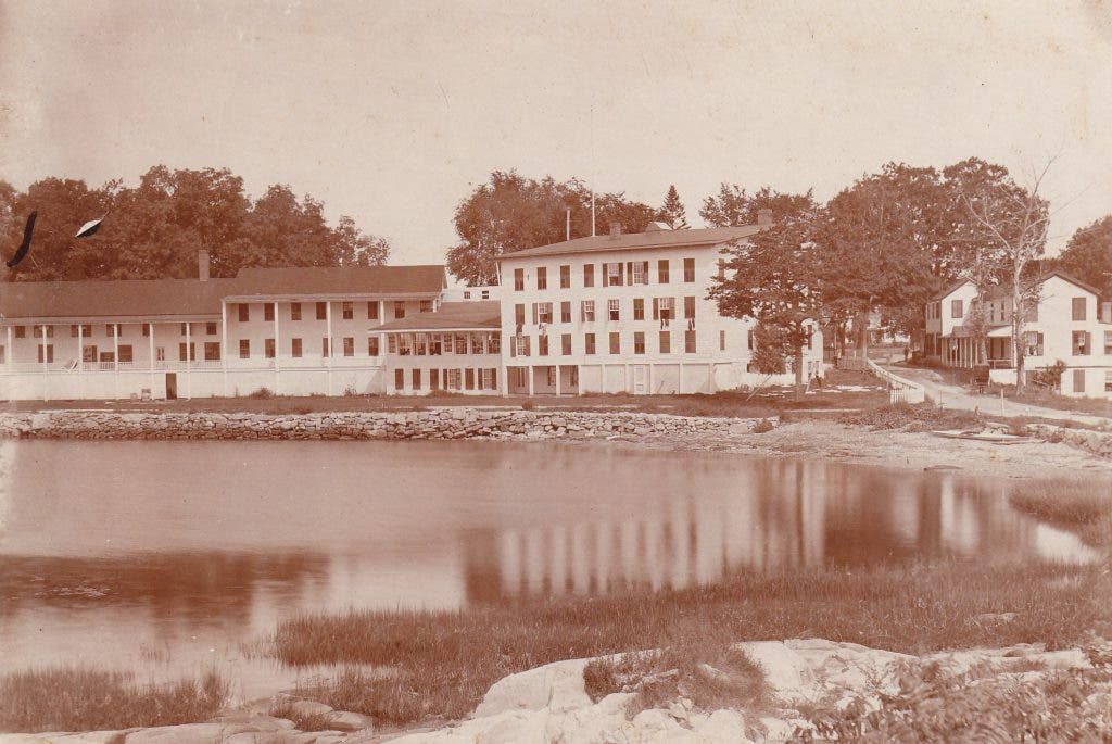 Pequot Plantation:The Story of an Early Colonial Settlement