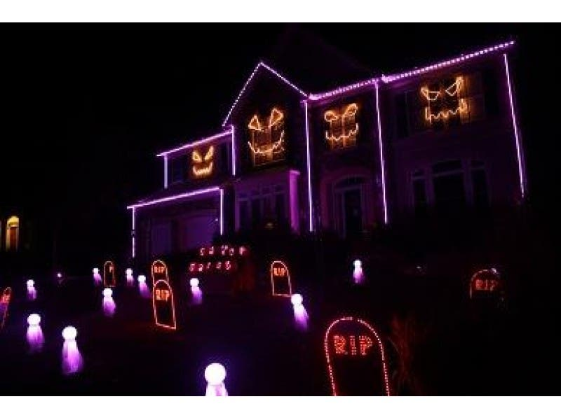 spectacular halloween light show at leesburg home - Christmas Light Show Youtube