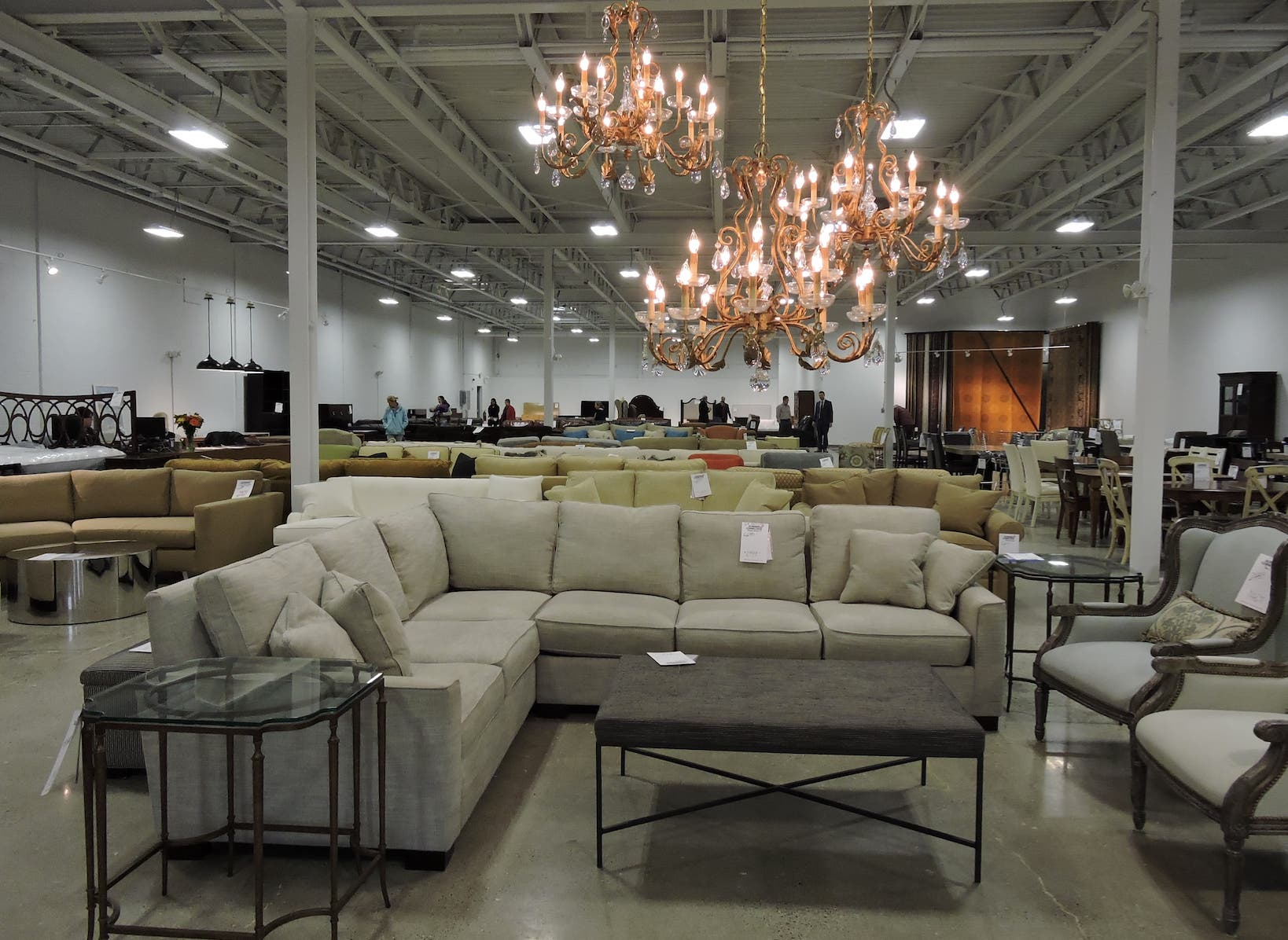 Gorman S Hosts Summer Warehouse Sale At New Three Day Clearance