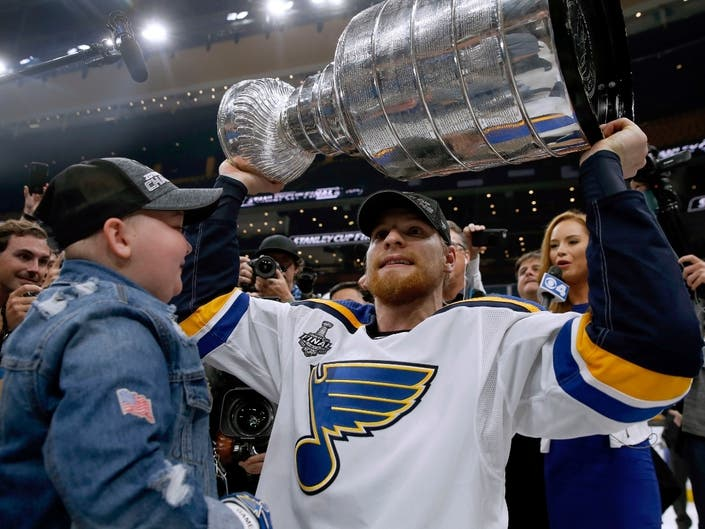 Blues Superfans Special Stanley Cup Moment Captured On Video