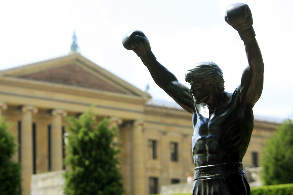 tom brady jersey rocky statue