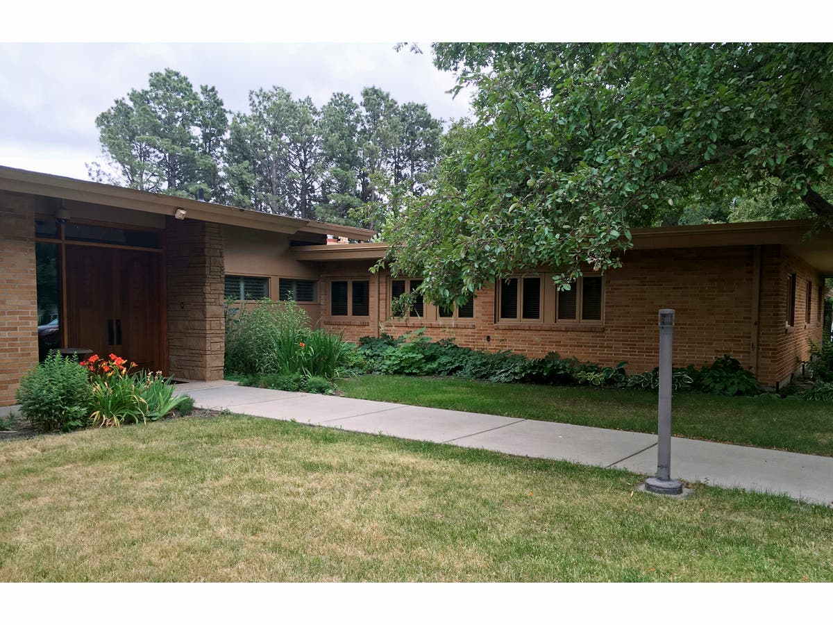 North Dakota Governor's Mansion: If You Buy It, Plan To ...