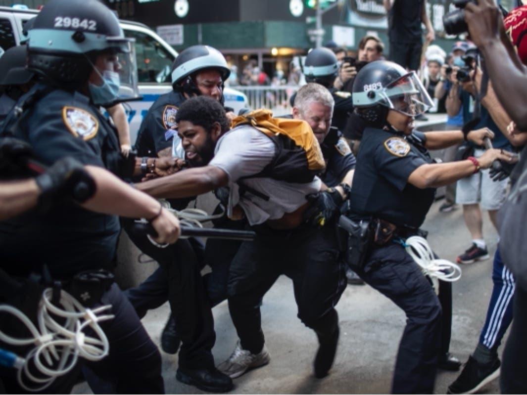 George Floyd Protesters Sue De Blasio, NYPD Over 'Violence'