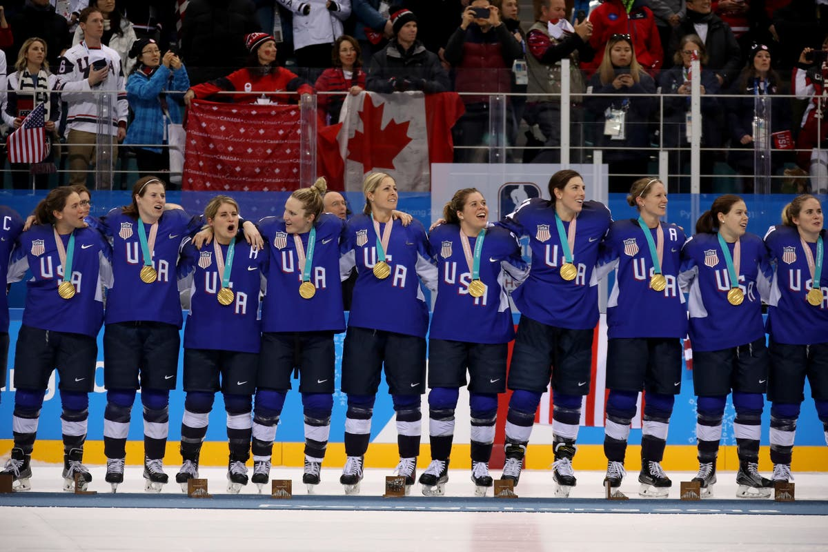 Gold Medal Women S Hockey Team To Be Honored At Kings Game Echo