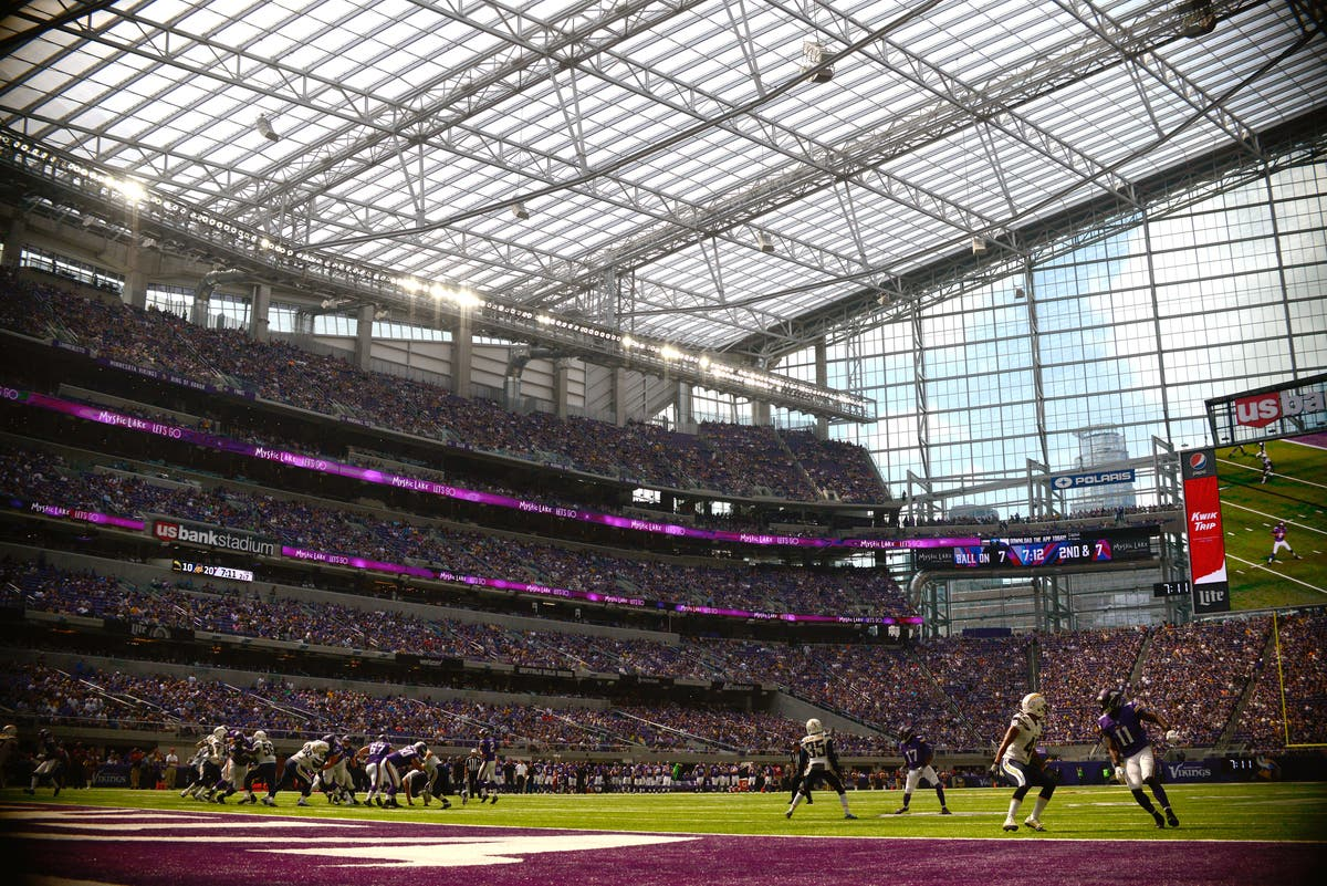 Craigslist Twin Cities >> Angry Vikings Fan Tries Selling Us Bank Stadium On Craigslist