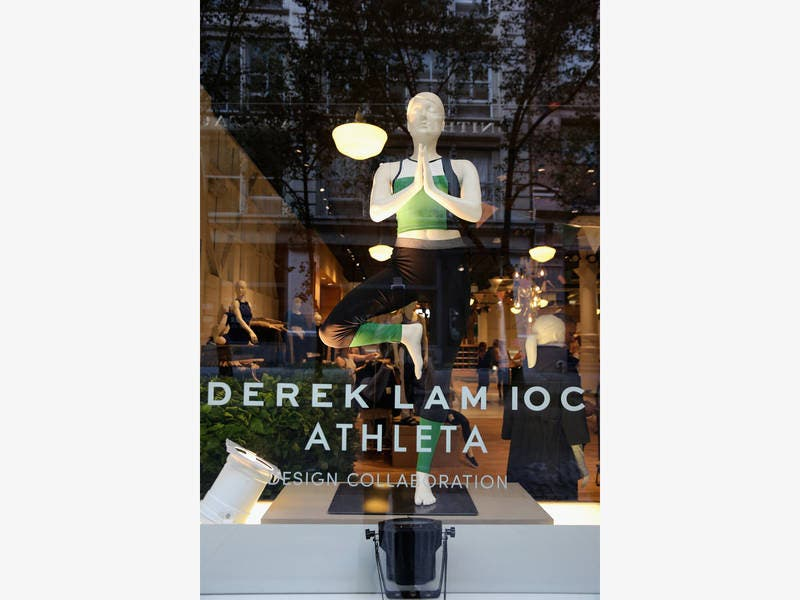 Woodbury Lakes Signs Lease Agreement With Athleta