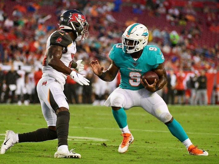 Dolphins Mark Walton Pleads No Contest To Weapons Charge