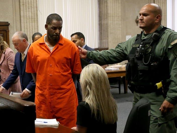 R Kelly Used Bribe To Wed 15-Year-Old Aaliyah: NYC Prosecutors