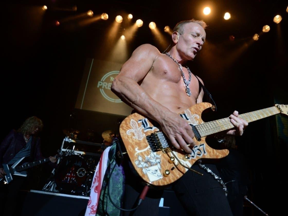 Def Leppard Star Crashes LI Music Class, Rocks Out: WATCH