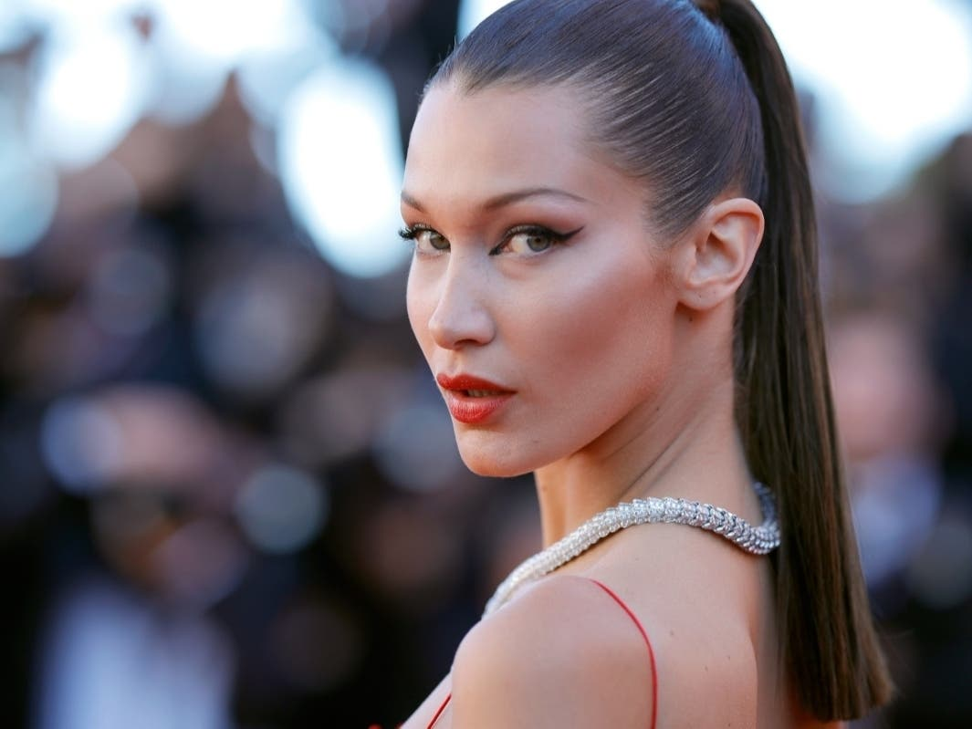 Bella Hadid: Mega Influencer Eats Pizza At Nassau Eatery