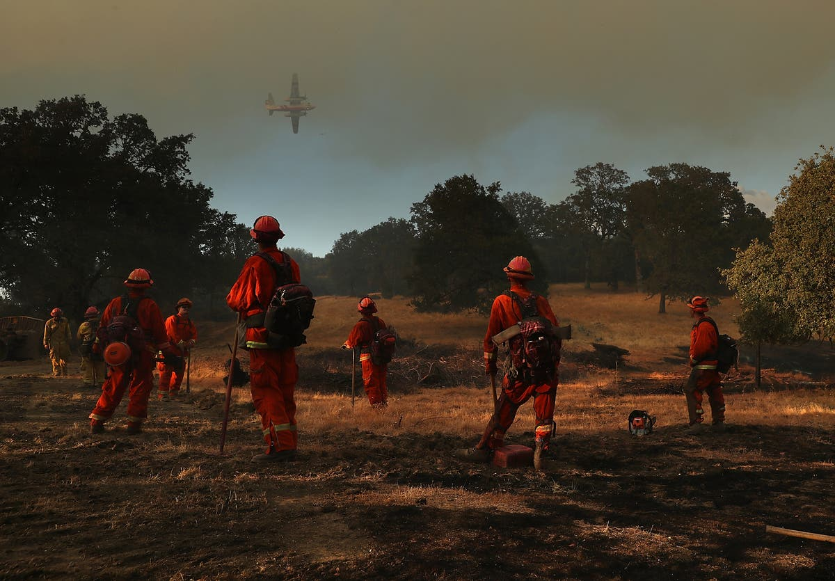 Inmates, Too, Risk Their Lives Fighting CA Wildfires