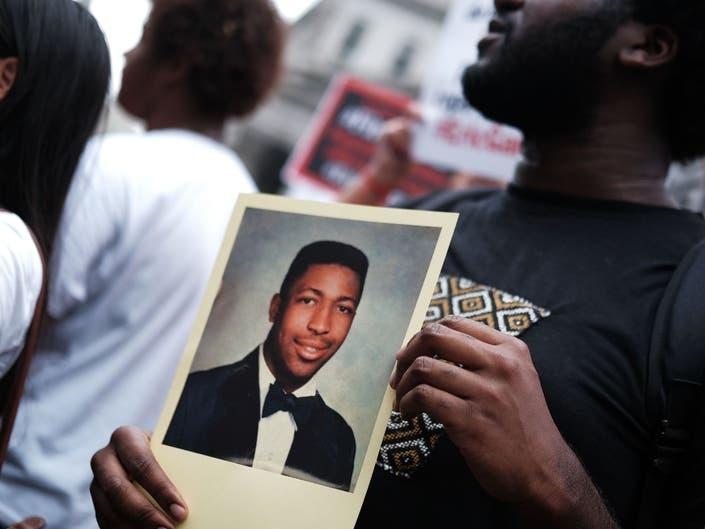 Sergeant Will Not Face NYPD Trial In Eric Garner Case