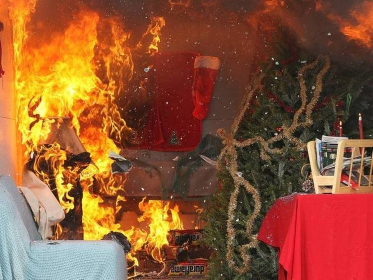 Christmas Tree On Fire.Christmas Tree Fire Can Turn Deadly In Seconds Watch