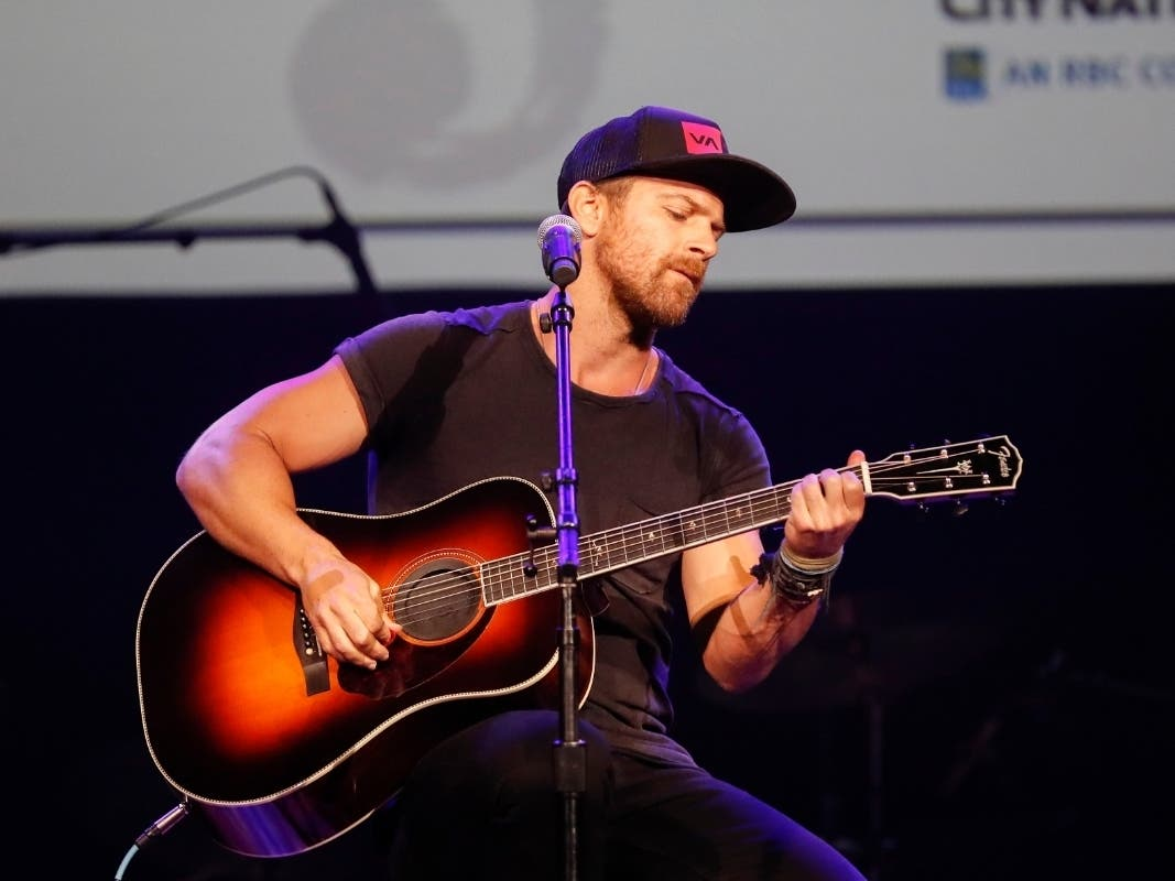 Preview Of Kip Moore Room To Spare Acoustic Tour