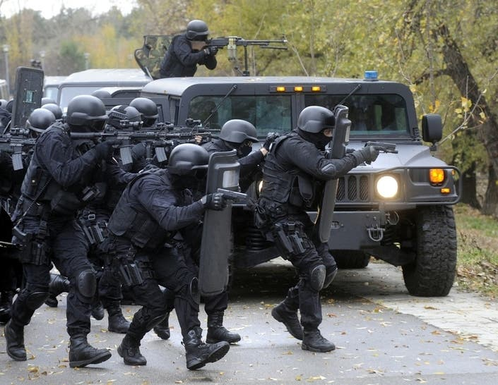 Tear Gas Used In Standoff With Secret Service Swat