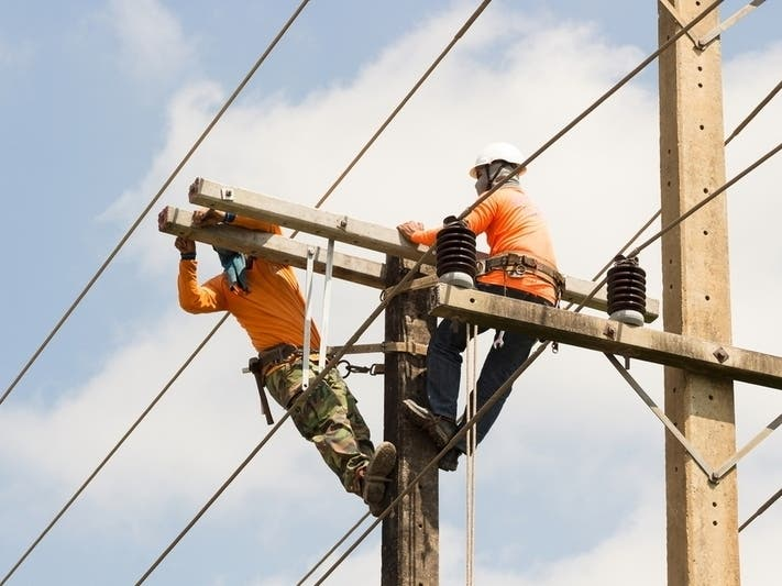Hundreds Without Power In Massapequa Area