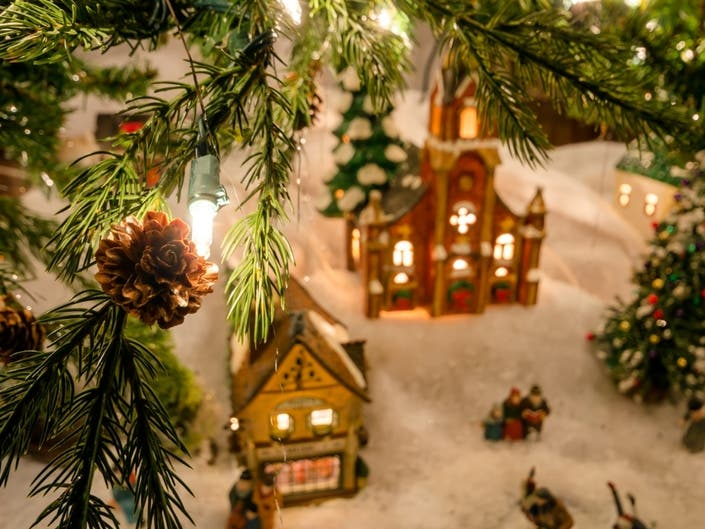 Christmas Events In Nj.Hallmark Channel Hosting First Ever Christmas Con In Nj