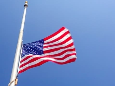 Memorial Day 2020 Flag Etiquette The Right Way To Fly Old Glory Across America Us Patch