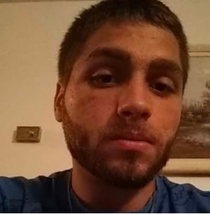 25 year old man selfie