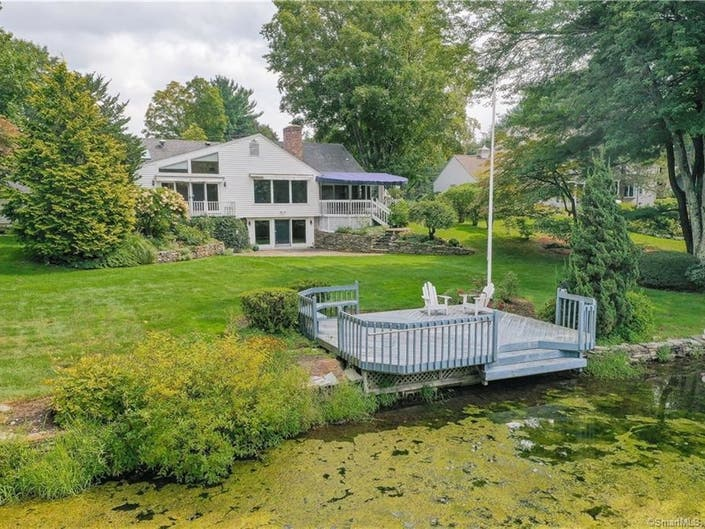 Wondrous Lakefront West Hartford Home Hits The Market West Hartford Interior Design Ideas Inesswwsoteloinfo